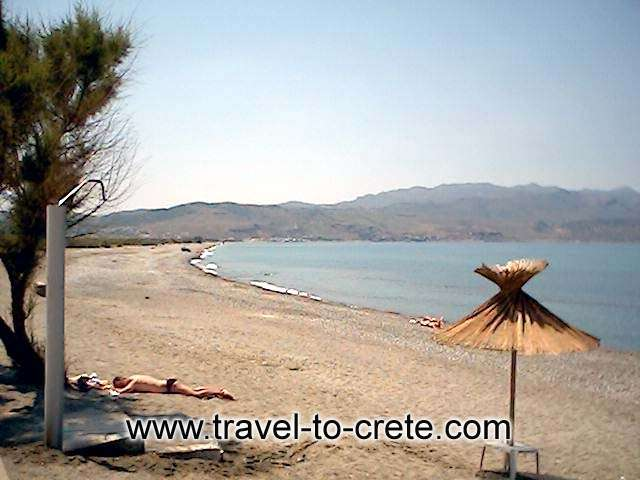 The beach is an easy short stroll from the village centre. This can be one of the emptiest and quietest beaches in this stretch of coast west of Chania. Tavroni